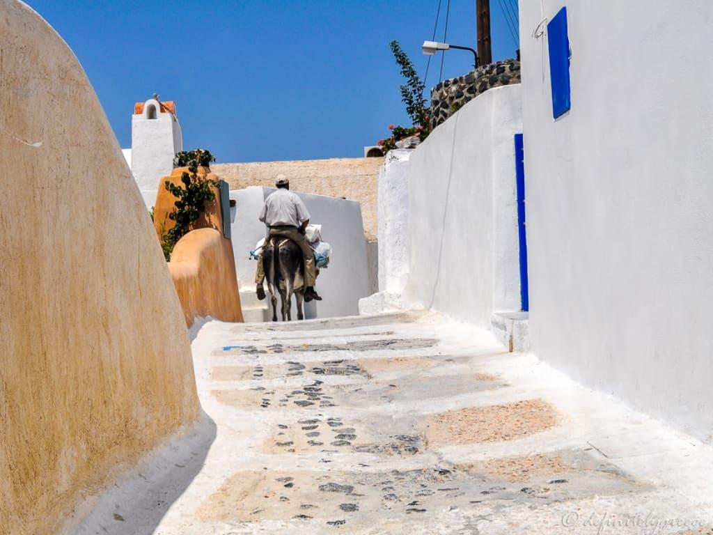 Foinikia Santorini Definitely Greece