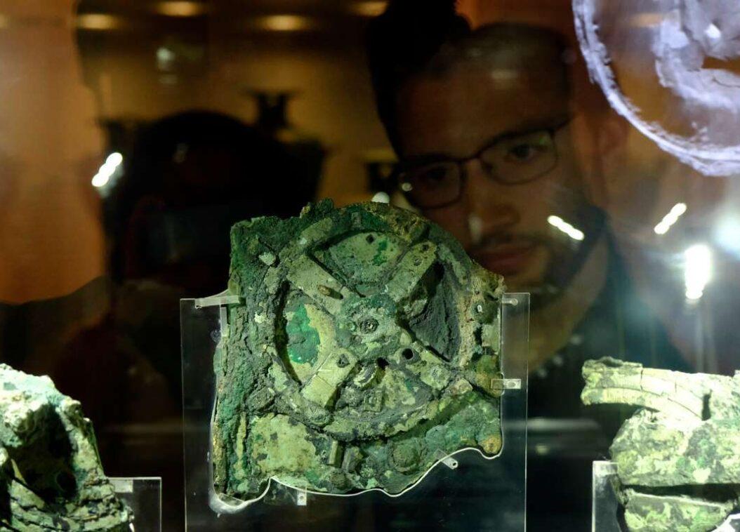 Greek Inventions Antikythera-mechanism-greek-invention