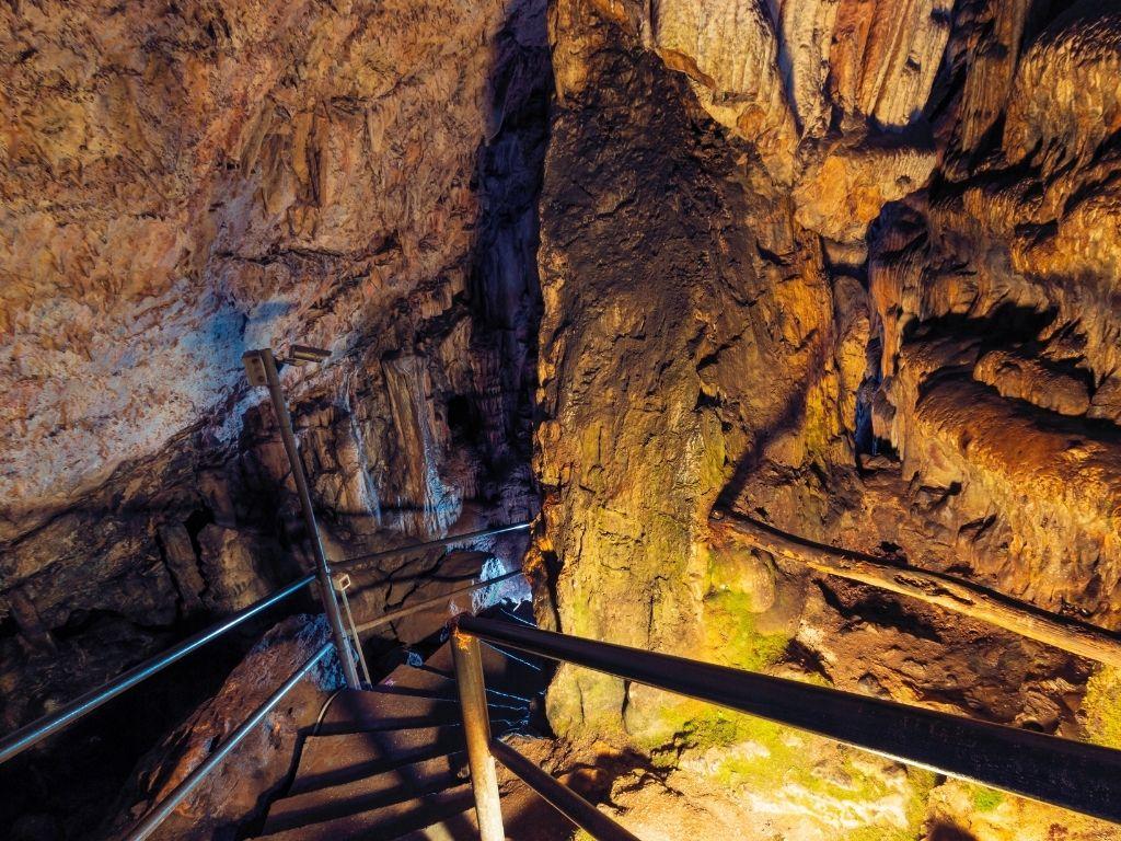 greek-islands-mythology-crete-dikteo-cave